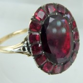 Eighteenth century garnet ring
