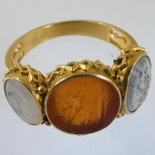 Intaglio ring with three intaglios