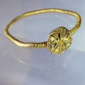 Cathar gold ring
