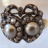 Diamond and natural pearls ring