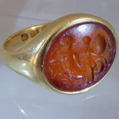 Ancient Roman intaglio in 18 ct ring