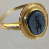 Eighteenth century glass intaglio ring