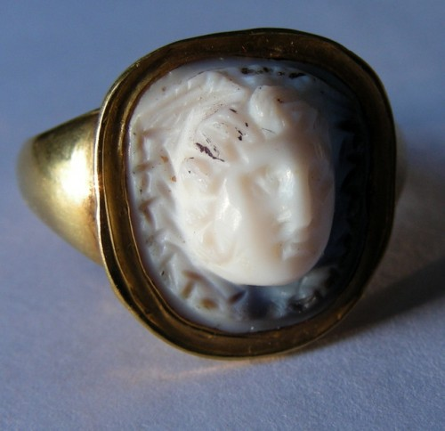 Ancient Roman cameo of Medusa in gold ring