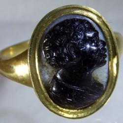 Blackamore cameo ring