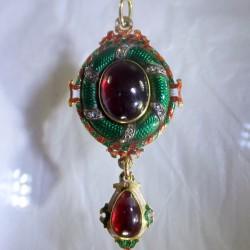 Holbeinesque enameled pendant