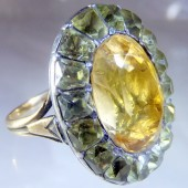Chrysolite gold ring