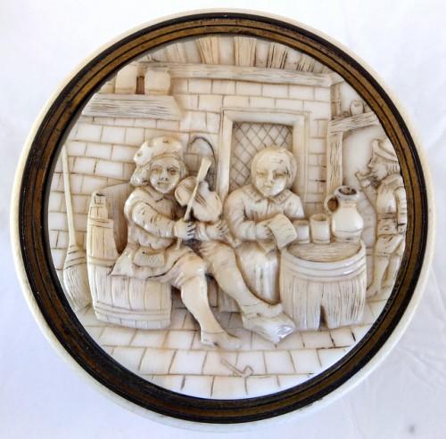 Seventeenth century ivory box