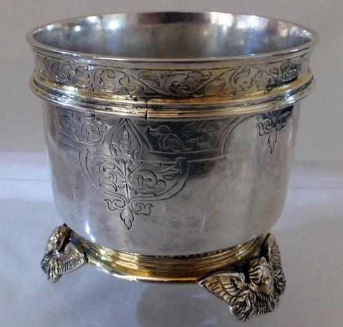 1580 silver beaker